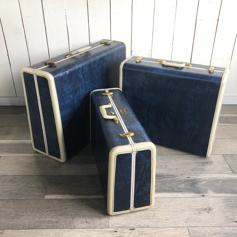 Style 4737 A Set of Three 1950s Two-Tone Navy Blue /& Ivory Samsonite Suitcases 3 Piece Luggage Set