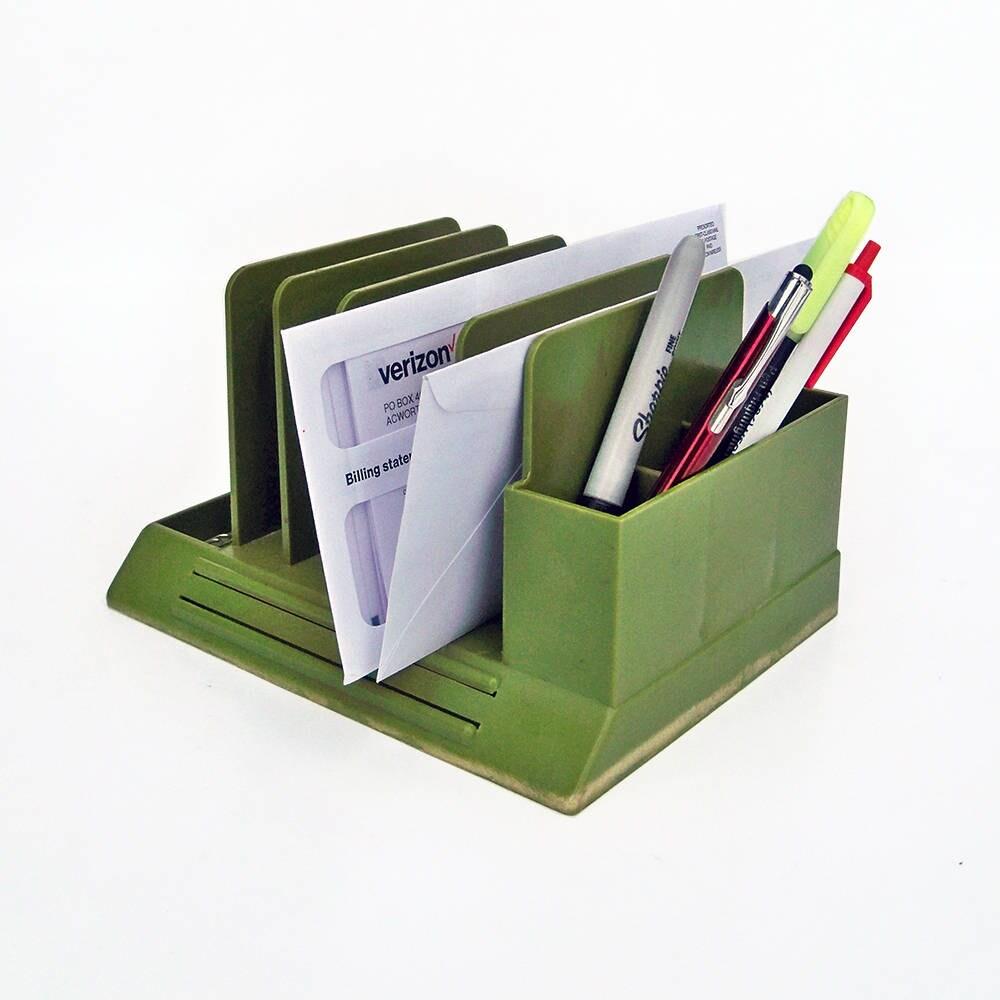Klein Grenen Bureau.Mid Century Max Klein Avocado Green Plastic Desk Organizer