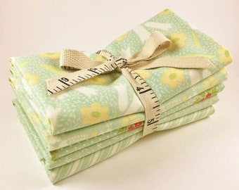 Ella and Ollie Fabric - Fat Quarter Bundle - Fig Tree Fabric Bundle - Moda Fabric - Aqua Green - 5pc