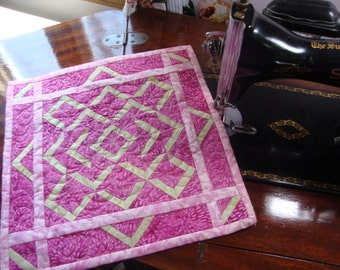 Quilted Mini Wall Hanging Table Topper Quilts