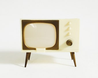 Mid Century TV Salt and Pepper Shakers / Ivory Color