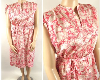 70s - 80s Floral Poly Dress / XXL / Persimmon Pink Early 1980s Late 1970s Plus Size Dressy Casual Dress
