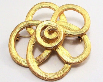 Avon Flower Pin Brooch Gold Tone Vintage 1988 Swirl Band Brushed Large Fine Line Sculpted Layered Flat Open Ribs