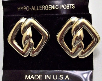 Double Twisted Link Pierced Post Stud Earrings Gold Tone Vintage Polished Open Discs