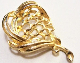 Lisner Leaf Flower Pin Brooch Gold Tone Vintage Swirl Ribs Open Layered Curved Rings Long Stem