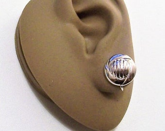 Swirl Band Disc Clip On Earrings Silver Tone Vintage Domed Rib Lined Center