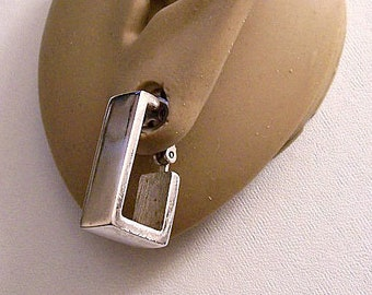Avon Square Hoops Clip On Earings Silver Tone Vintage 1976 Geometric Collection Wide Band Polished Band Open Dangles