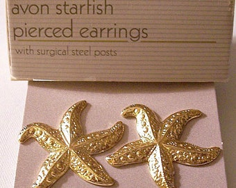 Avon Starfish Sea Animal Disc Pierced Stud Earrings Gold Tone Vintage 1987 Large Wide Tenacles Textured Domed Curved Ribs