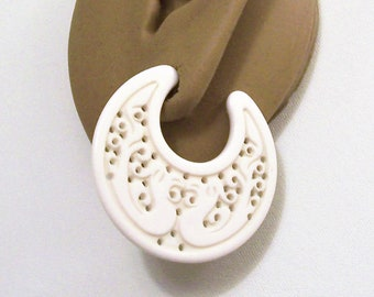 Avon White Carved Hoops Pierced Stud Earrings Silver Tone Vintage Large Open End Scroll Design Surgical Steel Posts