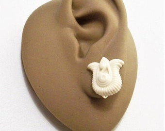 Avon Beige Flower Clip On Earrings Gold Tone Vintage  Gracious Tulip Lucite Ribbed Swirl Accent Wide Round Edges