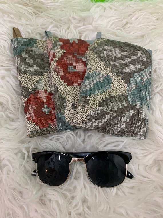 Sunglasses accessory Pouch with Hang Loop Lined