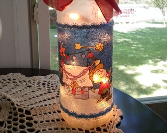 Charlie Brown Christmas Lamp, Peanuts and the gang, wine bottle lights, lighted bottles for Christmas,wine bottles with xmas lights