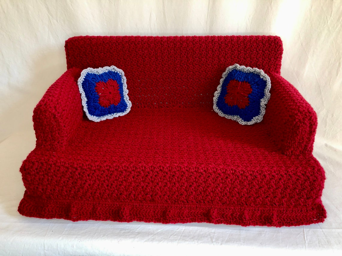 Comfy Crocheted Kitty Couch Pet Bed Made to Order image 2