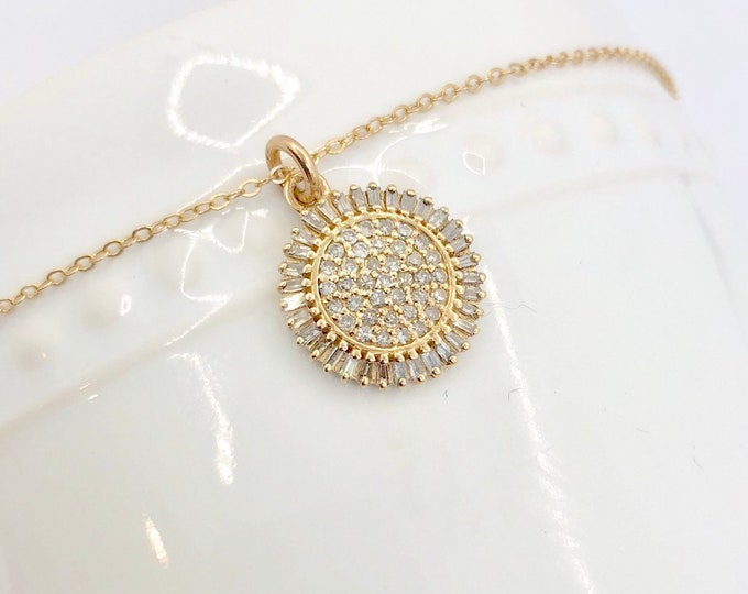 Diamond and Gold Pendant Necklace