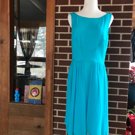90s does 50s Blue Chiffon Cocktail Dress - image 5