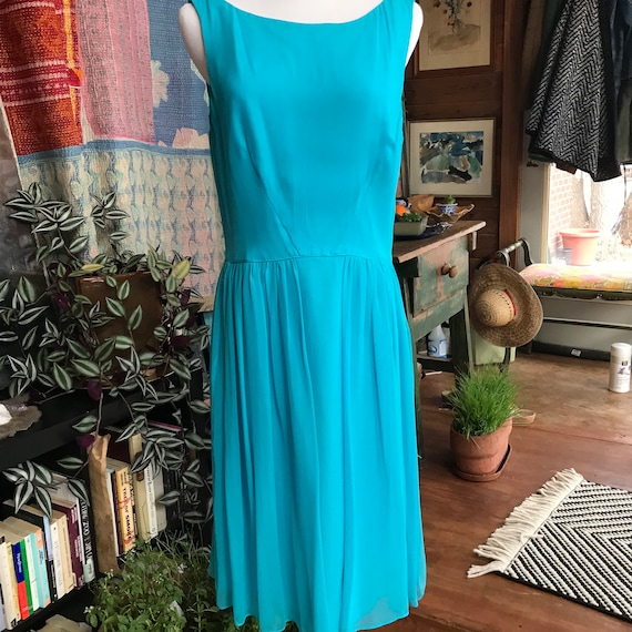 90s does 50s Blue Chiffon Cocktail Dress - image 9