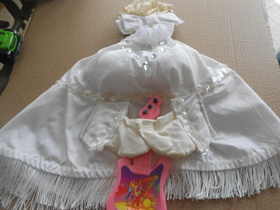 Dolly Parton  Large Goose Outfit