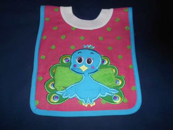 Peacock with Washcloth, over the head bib
