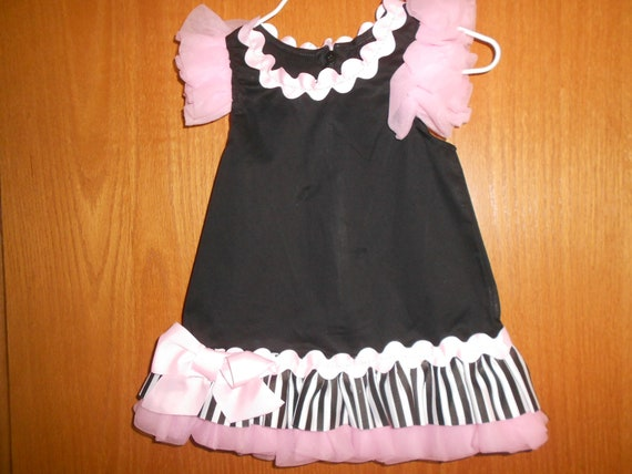 SALE Black and Pink Size 2-3 Dress