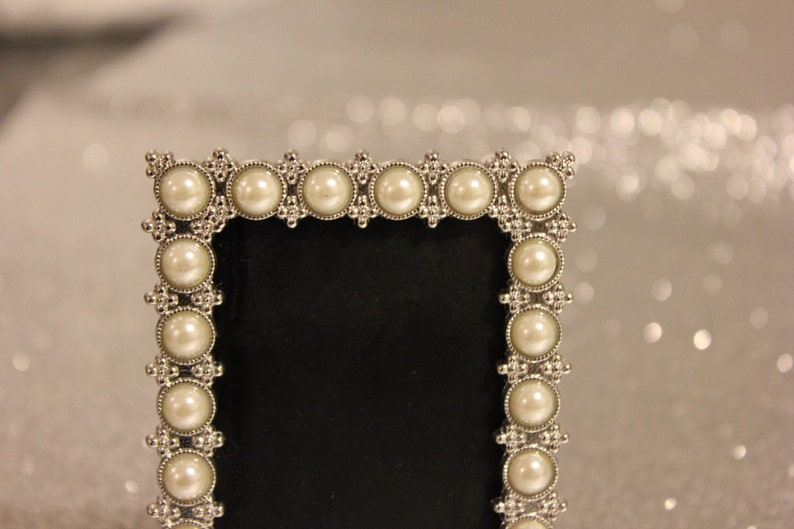 Mini PEARL FRAME Vintage Style Pearls Bling Silver Table Number Frames Ornate Picture Jeweled Photo Wedding White Gatsby Winter Christmas