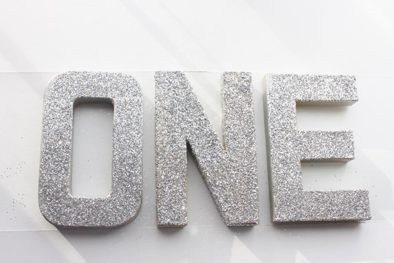 ONE GLITTER LETTERS Free Standing Sign Letter Paper Mache Silver
