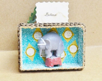 Paper Box Christmas Decor Ornament Circus Elephant with Believe sign Diorama