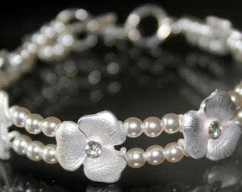 Silvery White Flower Bracelet with Silvery White Pearls and Crystals