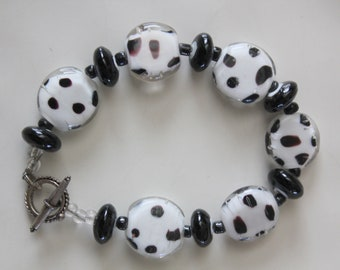 Black and White Spotted Flat Glass Disc Bead Bracelet