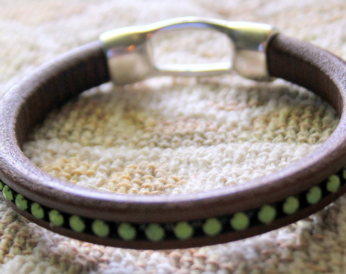 Chocolate Brown  Leather Bangle Bracelet With Embedded Peridot Green Cup Chain