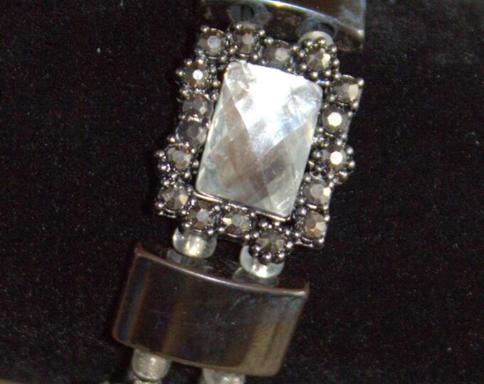 Victorian and Bling Hematite Strech Bracelet