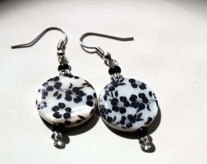 Black and White Floral Pattern Shell Earrings