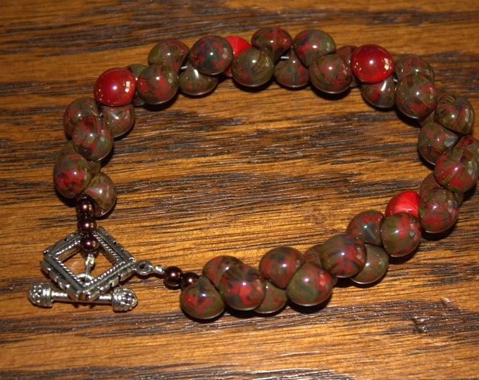 Bracelet Made With Venetian Glass Buttons in 2 Color Choices