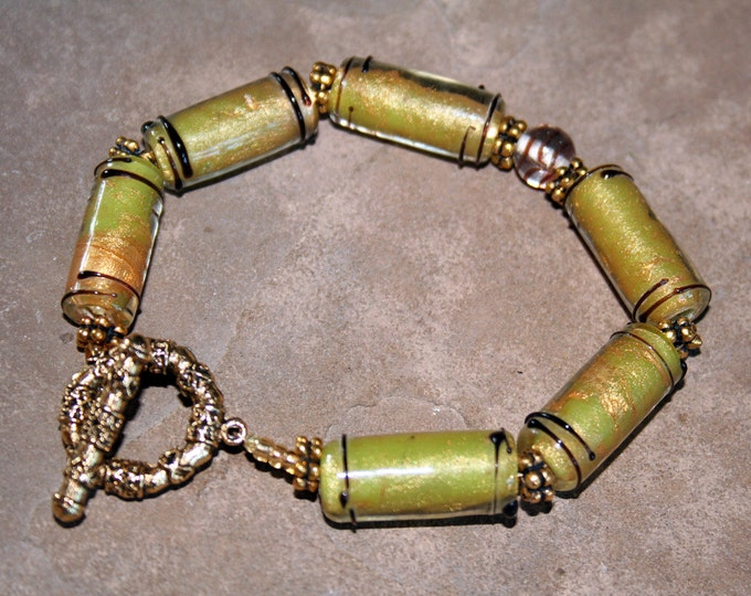 Spring Green Lamp Worked Glass Bracelet