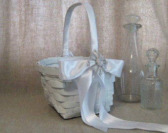 White Basket with Keepsake Vtg Monet Maltese Cross Brooch / Favor Basket / Program Basket / White Basket for Wedding or Reception Decor
