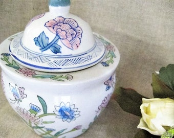 Asian-Style PLANTER/POT Pretty Vintage Pot/Planter for Home or Wedding Decor / Floral Container/ Flower Pot /Jar