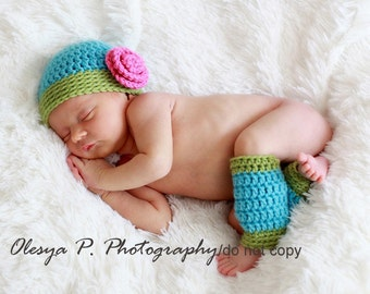 Download PDF crochet pattern - Beanie with rose and leg warmers