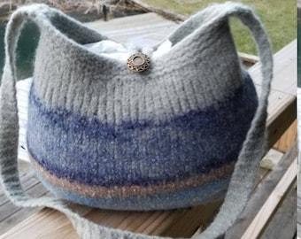 11-1040 Handknitted felted wool purse,tote,handbag fs