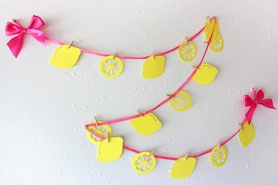 Pink Lemonade Party.  Handcrafted in 3-6 Business Days.  Lemonade Stand Garland.