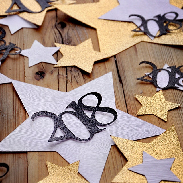 New Years Eve Decorations. Glitter Gold and Woodgrain Jumbo Star Confetti with 2018. Made in 3-6 Business Days. NYE Confetti Mix for Table.