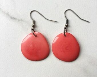 SMALL CORAL tagua earrings. Salmon pink earrings. Tagua nut jewelry. peach pink orange salmon. Coral Earrings. Sela Designs