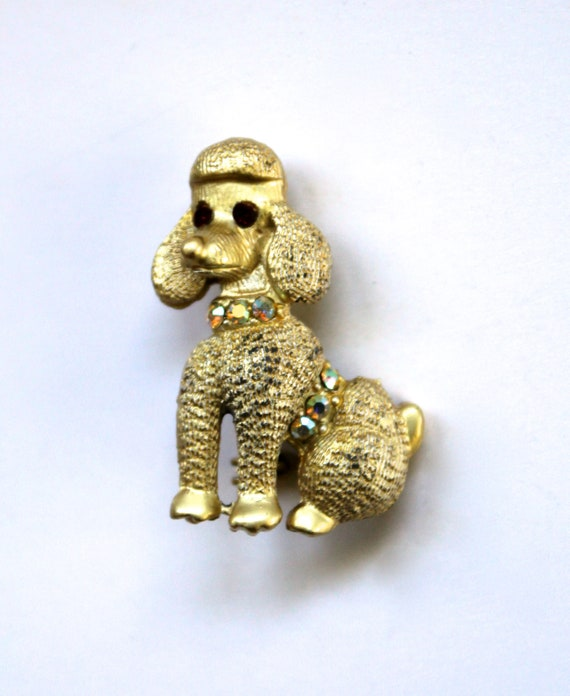 Vintage 1950s/1960s Gold Tone Poodle Pin/Brooch wi