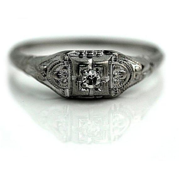 Art Deco Diamond Engagement Ring - Petite Engageme