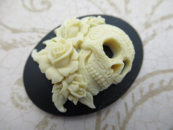 6 Ivory Color on BLACK SKULL w// Tattoos and Roses 30mm x 20mm Craft CAMEOS