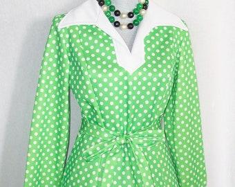 b274fa02d2d Vintage 1970s Mod Polka Dot Dress w Belt