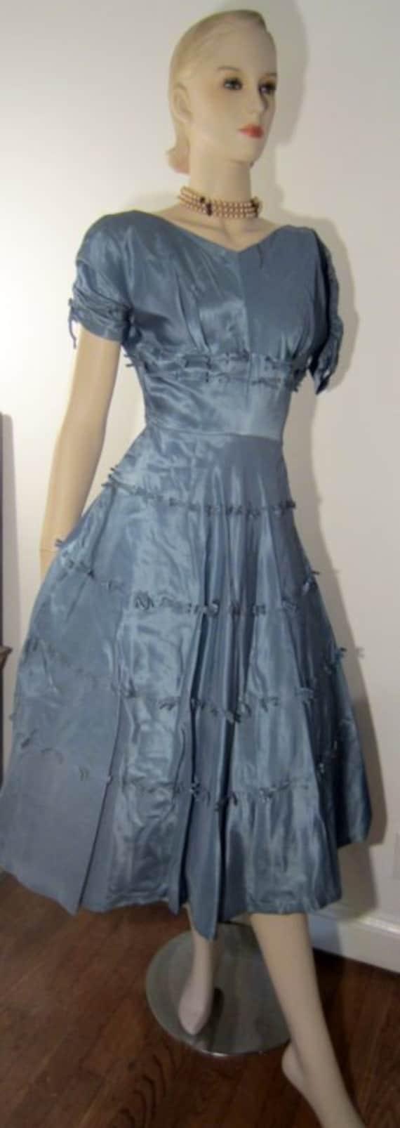 50s blue bow dress / vintage cocktail dress / pro… - image 4