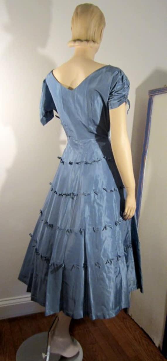 50s blue bow dress / vintage cocktail dress / pro… - image 5