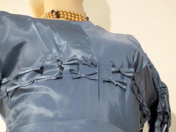 50s blue bow dress / vintage cocktail dress / pro… - image 3