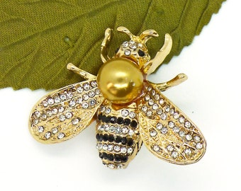 Bumble Baby // Gold Bumble Bee Brooch w/ Crystals & Pearl, Honey Bee Nature Midcentury Pinup Retro Kitschy Insect Jewelry Pin Fairy Woodland