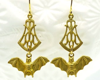 Victorian Bats // Vintage brass Filigree & Bat Drop Earrings w/ Gold Plated Hooks Gothic Goth Art Deco Witchy Gypsy Bohemian Halloween