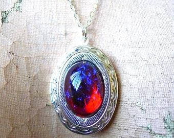 Dragon's Locket // Mesmerizing Silver Plated Locket w/ 1950s Mexican Fire Opal Dragon's Breath Gothic Goth Nugoth Vintage Fantasy Bohemian